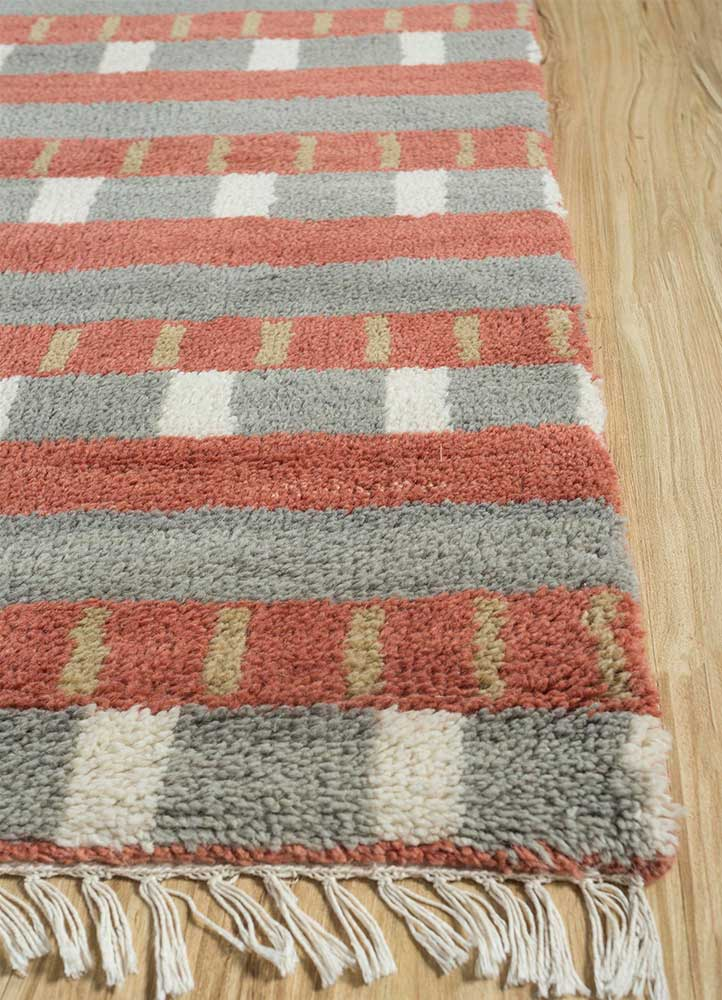 cleo blue wool hand knotted Rug - Corner