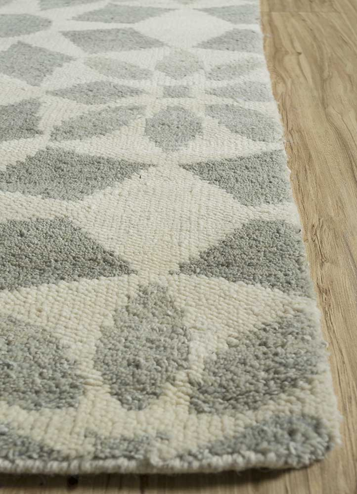 pansy ivory wool hand knotted Rug - Corner