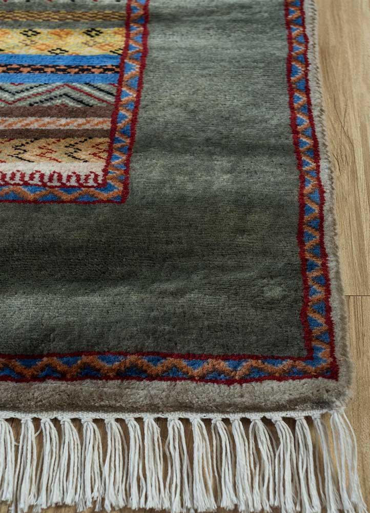 biscyane gold wool hand knotted Rug - Corner