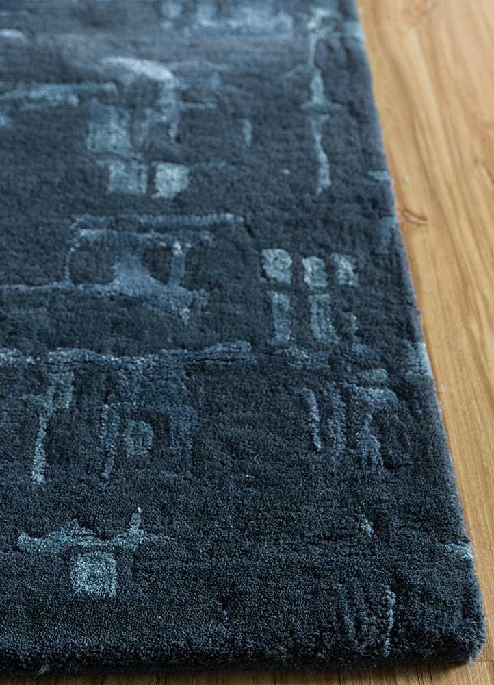 transcend blue wool hand tufted Rug - Corner