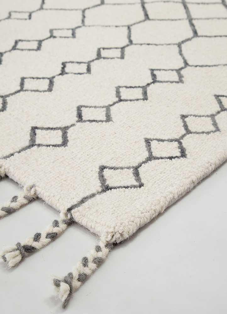 cascade ivory wool hand tufted Rug - Corner