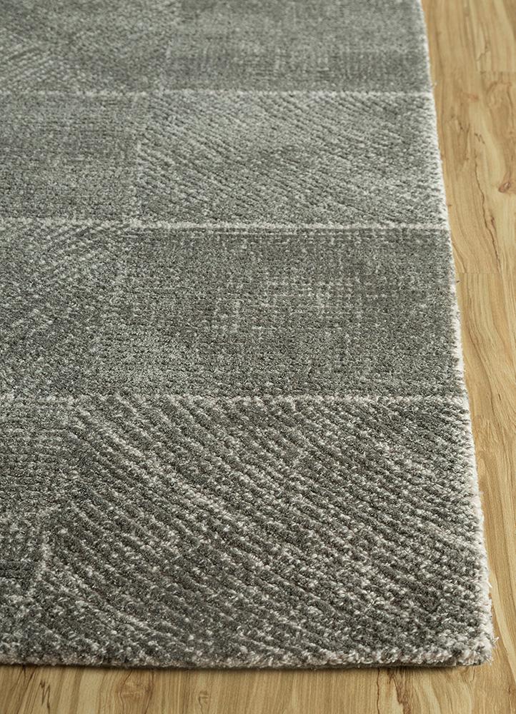 shudd grey and black wool and viscose hand tufted Rug - Corner