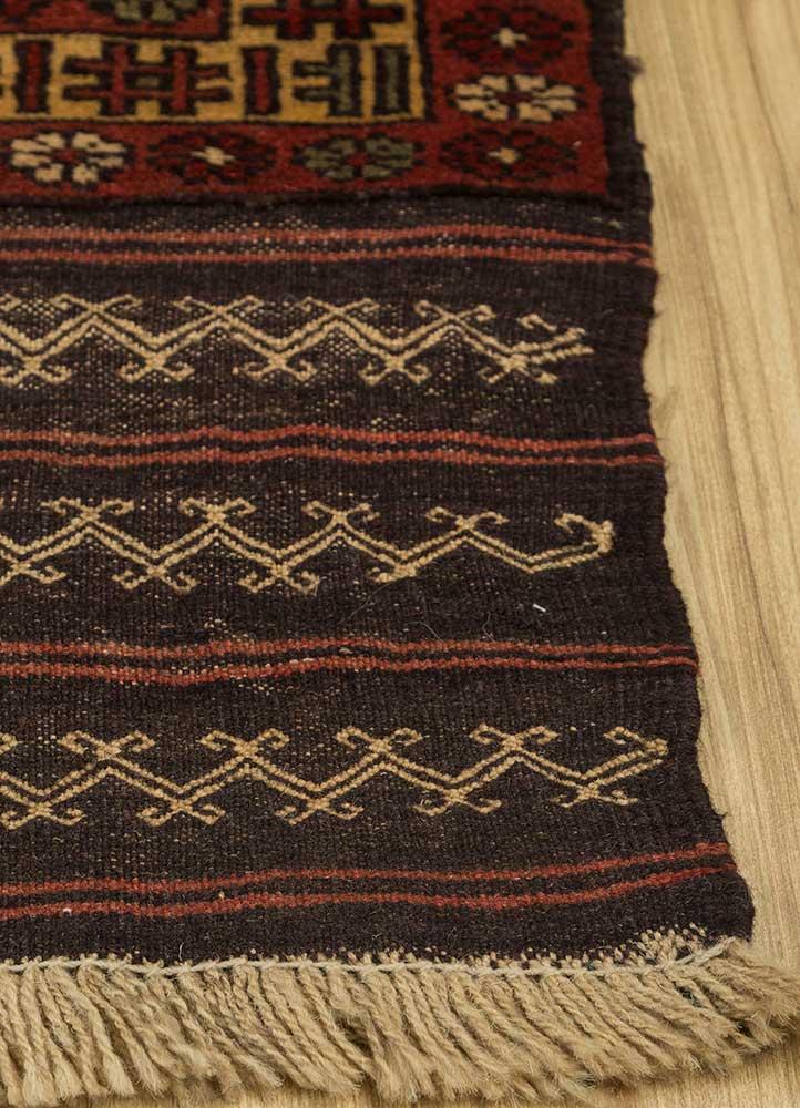 vintage gold wool hand knotted Rug - Corner