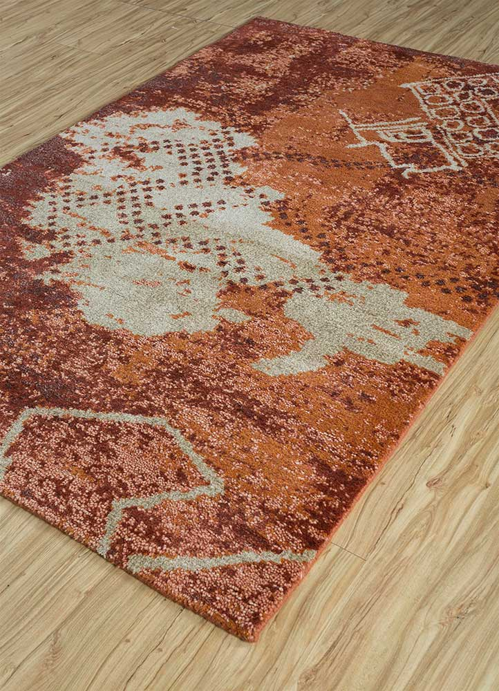 esme gold wool and bamboo silk hand knotted Rug - FloorShot