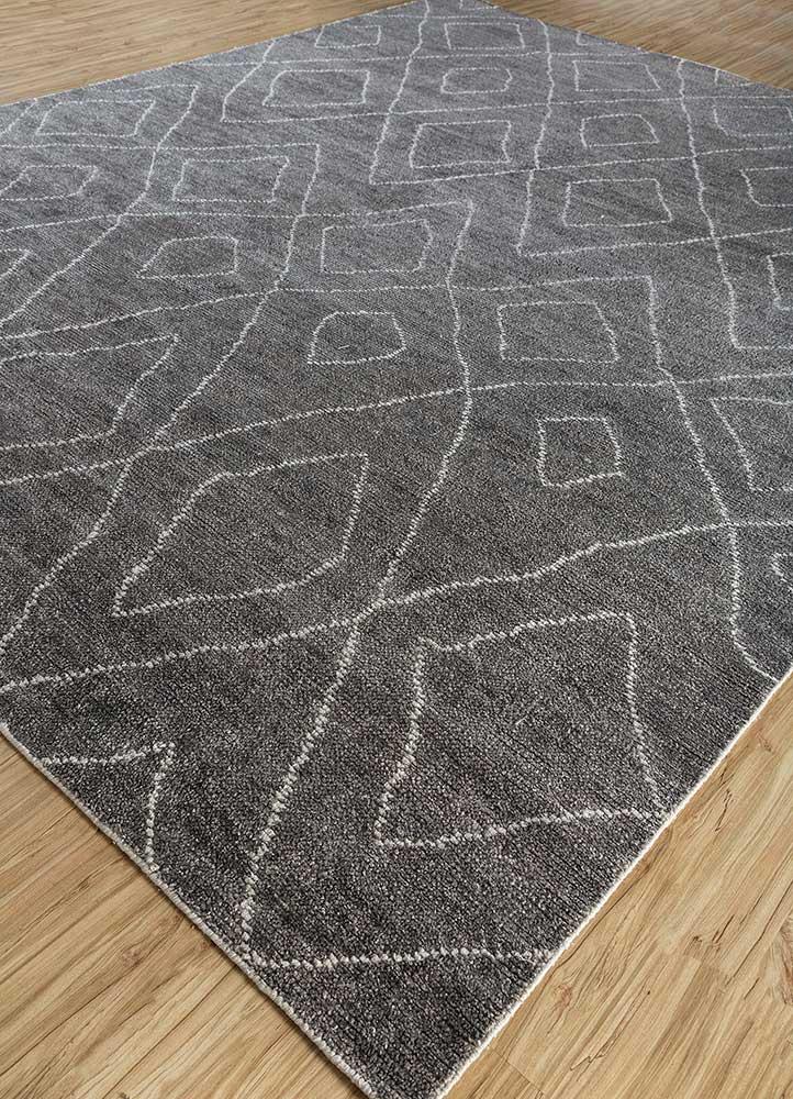 outdoor beige and brown viscose hand loom Rug - FloorShot