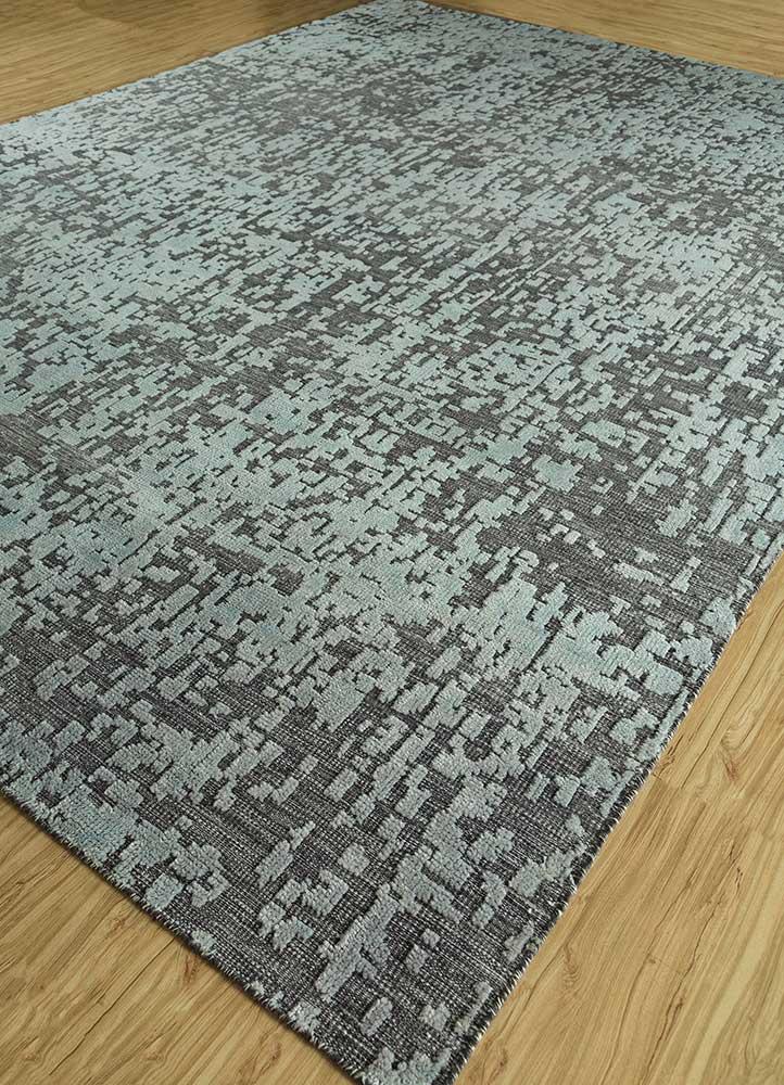 esme grey and black wool hand knotted Rug - FloorShot