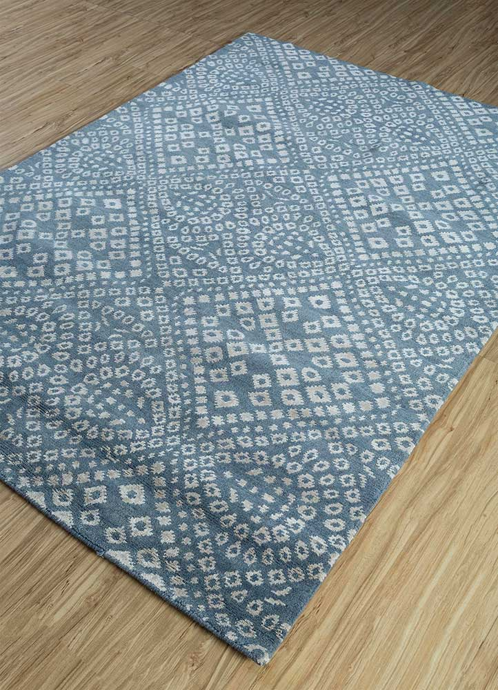 eden blue wool and viscose hand knotted Rug - FloorShot