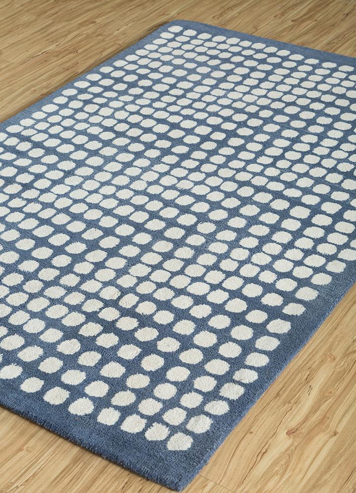 traverse blue polyester hand tufted Rug - FloorShot