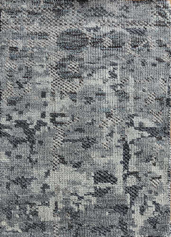 zuri grey and black wool hand knotted Rug - HeadShot