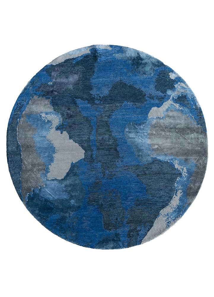 memoir blue wool and bamboo silk hand knotted Rug - HeadShot