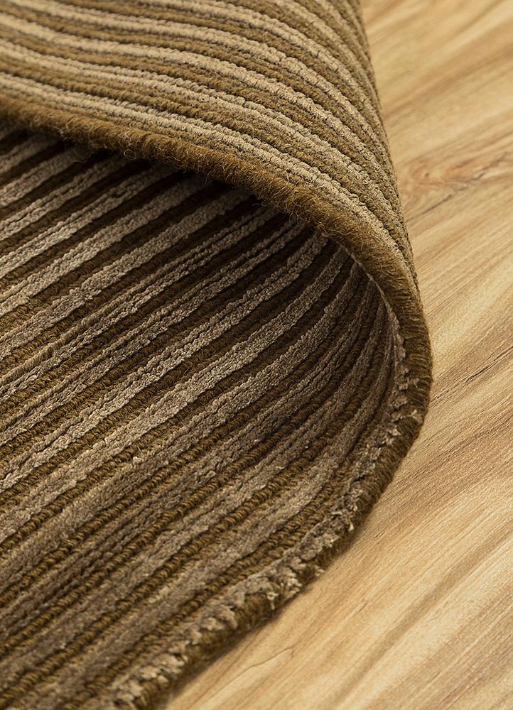basis gold wool and viscose hand loom Rug - Loom